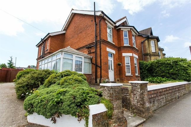 Thumbnail Detached house for sale in Medina Avenue, Newport, Isle Of Wight