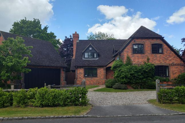 Thumbnail Detached house for sale in Stanbrook Close, Bradfield Southend, Reading