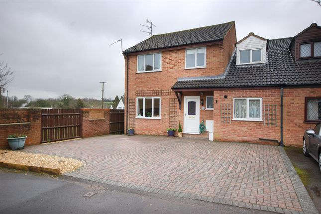 Link-detached house for sale in Beyon Drive, Cam, Dursley