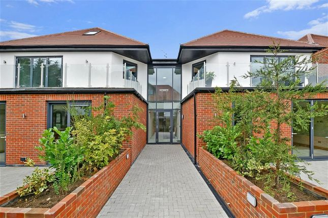 Thumbnail Flat for sale in Eden Lodges, Eden Avenue, Chigwell, Essex
