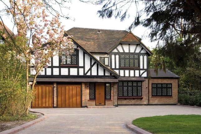 Thumbnail Detached house for sale in Canons Drive, Edgware, Middlesex