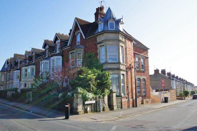 Thumbnail Flat to rent in Croft Road, Swindon
