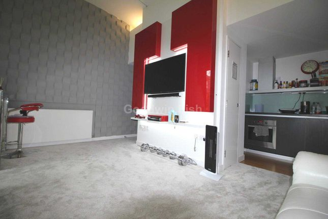Thumbnail Flat to rent in Budenberg, Woodfield Road, Altrincham