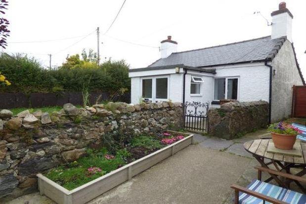 Thumbnail Property to rent in Llanddeiniolen, Caernarfon