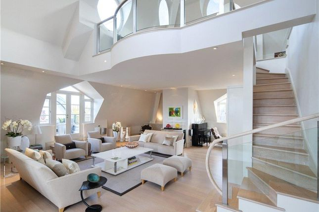 Thumbnail Flat for sale in Gainsborough House, Frognal Rise, London