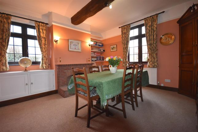 Family Room of Main Street, Sutton-On-Trent, Newark NG23