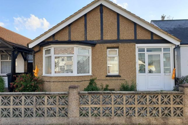 2 bed semi-detached bungalow to rent in Ruislip Road, Greenford UB6