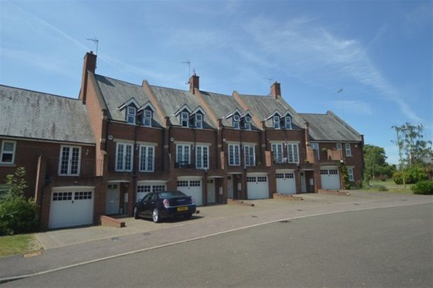 Thumbnail Property to rent in Tamarix Crescent, London Colney, St.Albans