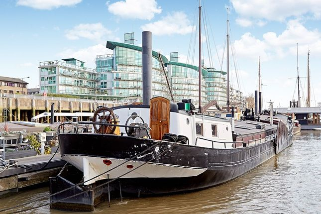 Thumbnail Houseboat for sale in Wapping High Street, London