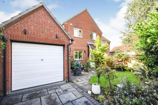 4 bed semi-detached house for sale in Basildon, Essex, United Kingdom SS15