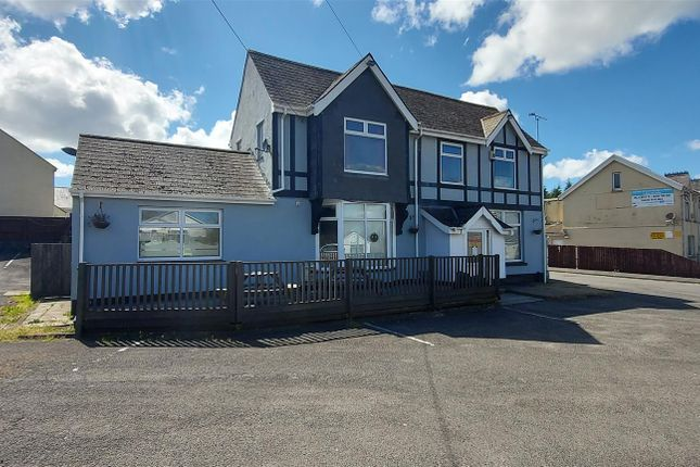 Property for sale in Heol Morlais, Trimsaran, Kidwelly SA17