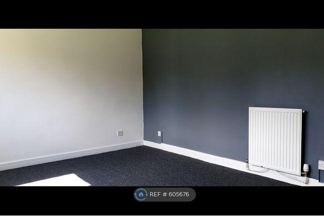 Thumbnail Flat to rent in Croftside Court, Grangemouth, Falkirk
