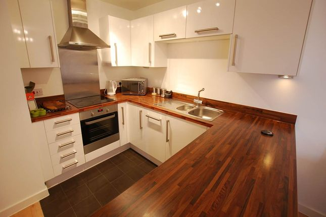 Thumbnail Flat to rent in Little Bright Road, Belvedere, Kent