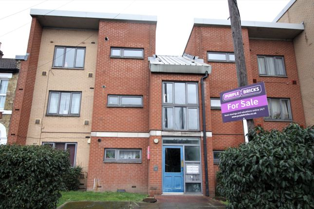 Thumbnail Flat for sale in 61 Aberdeen Road, London