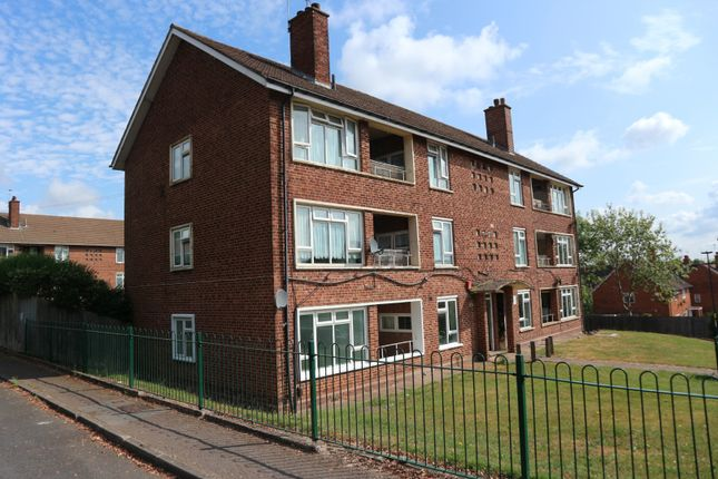 Thumbnail Flat for sale in Warple Road, Quinton