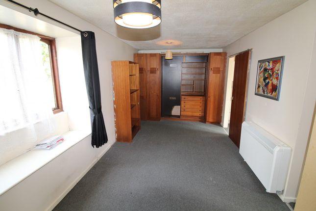 Studio for sale in Somerville, Werrington PE4