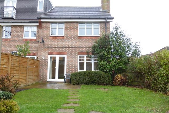 Thumbnail Semi-detached house to rent in Upfield, Horley