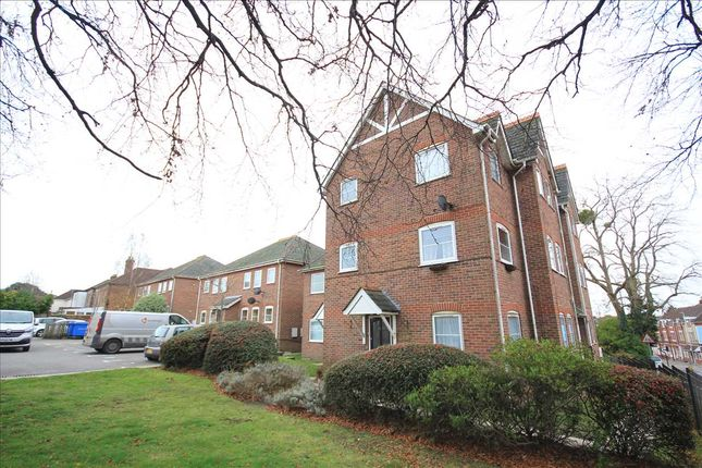 1 bed flat to rent in St Aldhelms, Langley Road, Poole BH14
