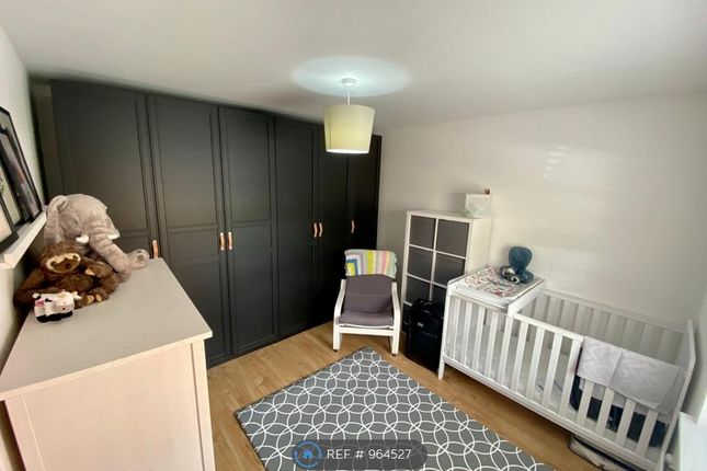 2 bed flat to rent in Runnymede Drive, Odiham, Hook RG29