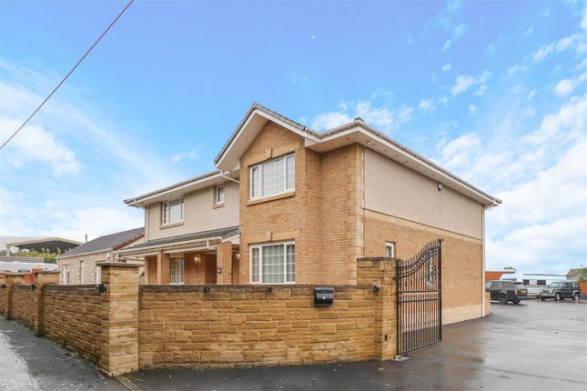 Thumbnail Detached house for sale in Shaws Road, Larkhall