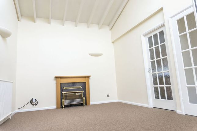 Lounge of Taylors Close, Meppershall, Shefford SG17