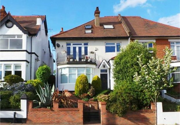 Thumbnail Flat for sale in 45 Kings Road, Westcliff-On-Sea, Essex