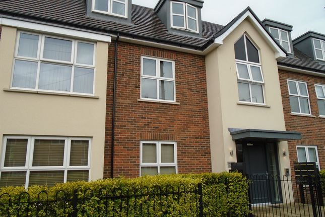 Flat to rent in Lancaster Road, New Barnet