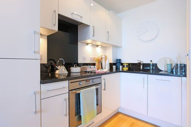 1 bed flat to rent in Chatham Quays, Dock Head Road, St. Marys Island, Chatham