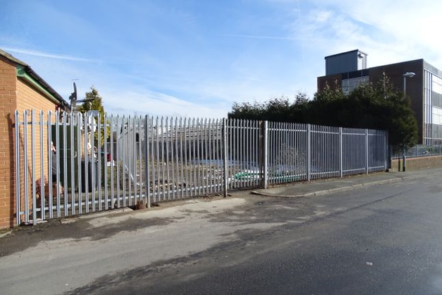 Land to let in Whitehall Road, Drighlington, Leeds