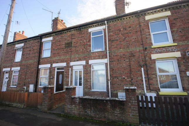 Thumbnail Terraced house to rent in St. Johns Road, Spalding