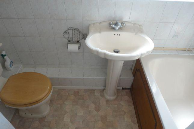 Bathroom Suite of Blossom Waye, Hounslow TW5