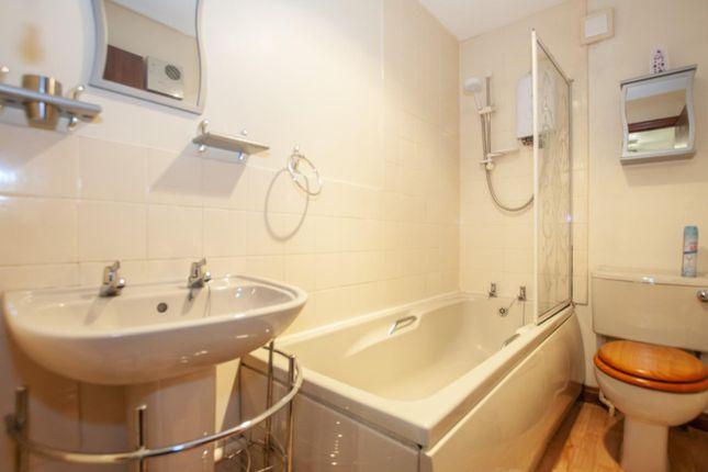 Bathroom of Flat 8 151 West Stirling Street, Alva, Clackmannanshire 5El, UK FK12