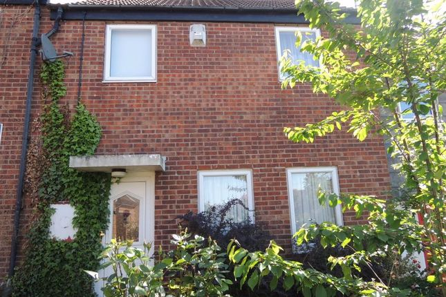 4 bed terraced house to rent in Stanley Wooster Way, Colchester, Essex