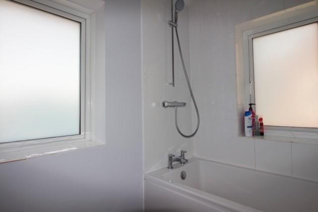 22 Maitland Avenue - Bathroom Shower