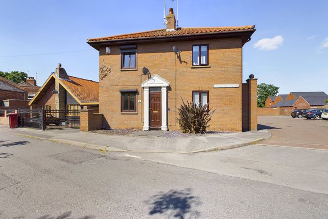 2 bed semi-detached house for sale in Tangarth Court, Barton-Upon-Humber, North Lincolnshire DN18