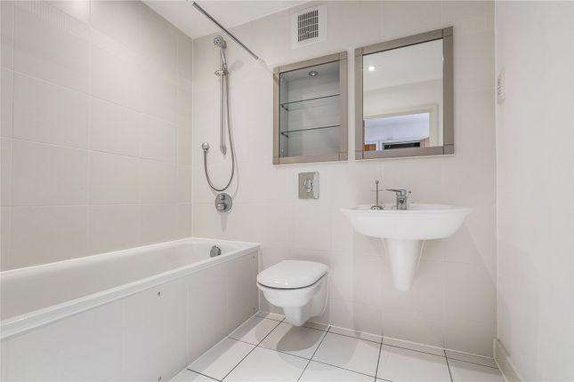 Bathroom of Dukes Court, 77 Mortlake High Street, London SW14