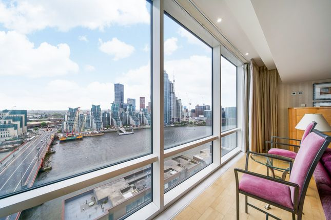 Thumbnail Flat to rent in Grosvenor Road, London