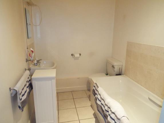 Bathroom of Sutton Court, Hawkesbury Village, Coventry, West Midlands CV6