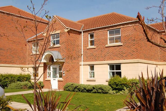 2 bed flat to rent in St Pauls Mews, York YO24