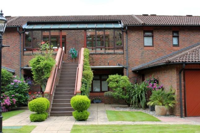 Thumbnail Flat for sale in Callow Hill, Virginia Water