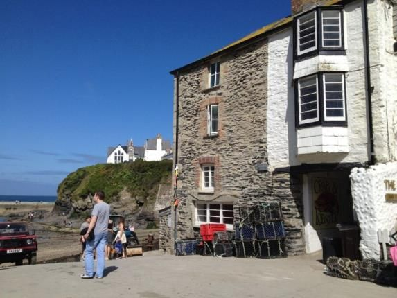 Exterior of Fore Street, Port Isaac PL29