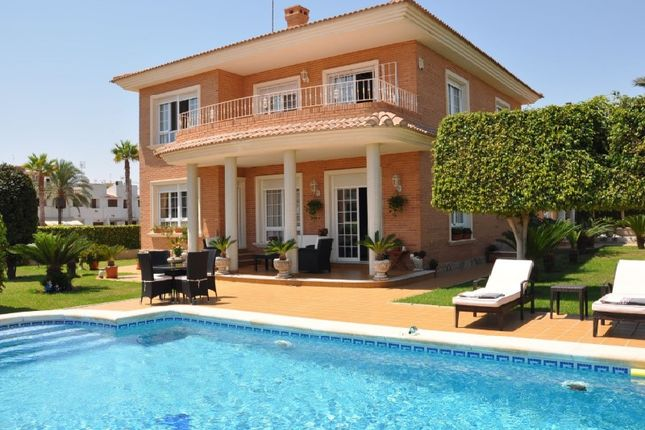 Thumbnail Villa for sale in Torrevieja, Torrevieja, Torrevieja