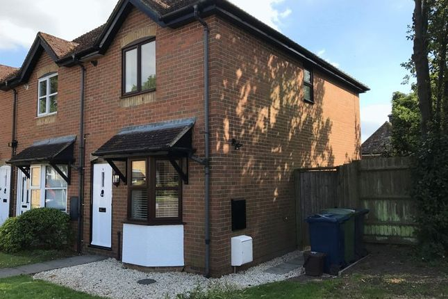 Thumbnail Terraced house to rent in Gardens Close, Stokenchurch, High Wycombe