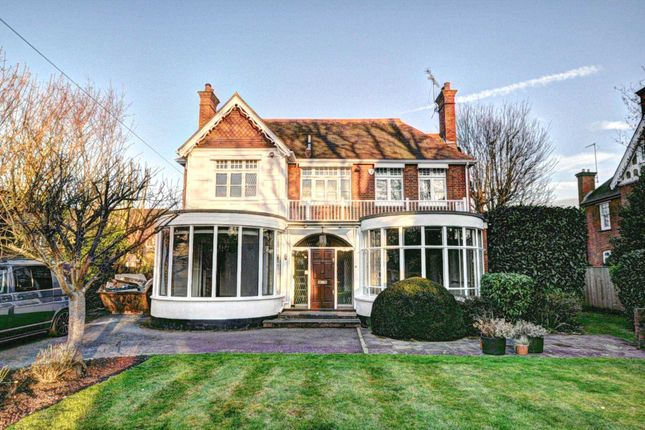 Thumbnail Detached house to rent in Mill Road, Marlow