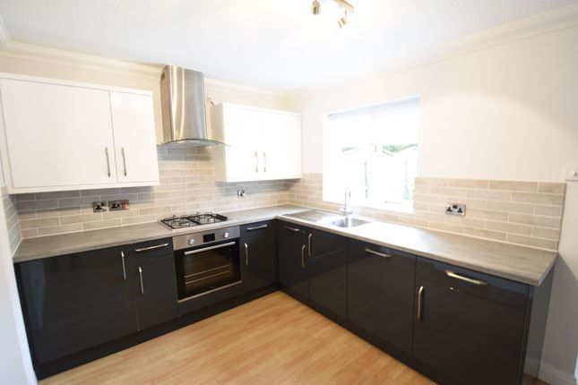 Thumbnail Detached house to rent in Sandhurst Drive, Wilmslow