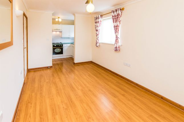 Thumbnail Flat for sale in Roman Bank, Skegness