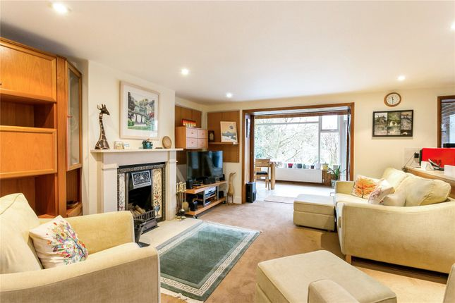 Family Room of Abbots Road, Abbots Langley, Hertfordshire WD5