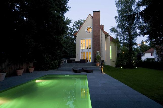 Thumbnail Property for sale in Bogenweg 6, Am, Frankfurt, Germany