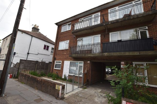 Maisonette to rent in Sydenham Road, Croydon