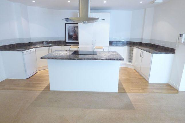 Thumbnail Flat for sale in West Sunniside, Sunderland